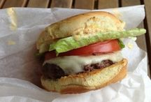 Burgers / by Very Culinary