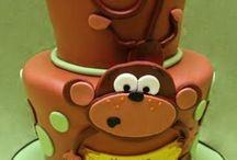 Fun Cakes/Cupcakes / by Bridgette Dougherty