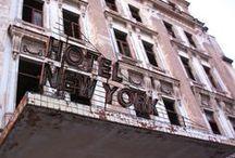 Loft recup' / Construit dans une ancienne fabrique, le loft new-yorkais conserve volontairement son héritage industriel : les espaces sont décloisonnés, les matériaux sont authentiques, bruts.