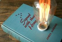Upcycling with vintage books. / Upcycling with vintage books.
