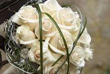 Brautsträuße / Brautsträuße in verschiedenen Farben, rundgebunden Anregungen für den schönsten Tag im Leben