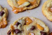 cookies / cookies - chocolate chip cookies - caramel cookies- Christmas cookies - decorated cookies - mint cookies - turtle cookies - confetti cookies - shortbread - peanut butter cookies - smores cookies - snickerdoodles -