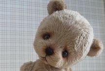 Artist Bears & Soft Sculpture / What I do / by Raewyn Todd