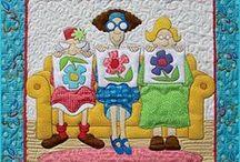 Mini  & Postcard Quilts / by Raewyn Todd