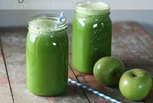 Surprisingly Okay / Making green smoothies and more that a picky eater (like me!) will love.