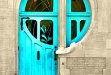 Door-Ways / by Suzanne Vasu