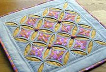 Cathedral windows / Examples of how to use the traditional folding patchwork technique. Beautiful for cushions & pillows.