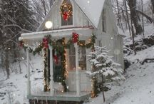Shabby Chic/Cottage Christmas / Soft, delicate colors and vintage touches.