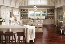 Country Kitchens / Country kitchens have a casual, lived-in feel where friends and family can relax, talk and enjoy time together. / by KraftMaid Cabinetry