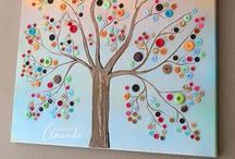 Crafty DIY / Adorable arts & crafts and DIY projects for you and your kids to make.