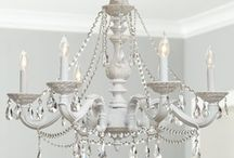Chandeliers! / by Betty Quiñones