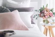 Gorgeous Bedroom Interiors and Decor / Interesting and beautiful bedrooms in all sorts of styles. Bedding, beds, bedroom interiors, gorgeous bed styling, throws, cushions and more. The atmosphere in a bedroom is paramount.