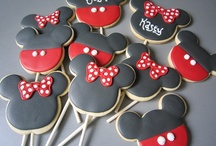Mickey and Minnie party / by Fabiana Martins