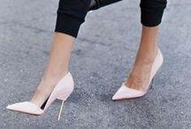 ♥ Pointy Shoes / Runde Sachen sind was für Quadratschädel! Echte Fashion-Freaks setzen jetzt auf spitz zulaufende Schuhe.