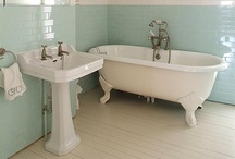 Beautiful Interiors ~ Bathroom / by Tammy Hilburn