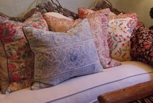 Beautiful Interiors ~ English Country / by Tammy Hilburn