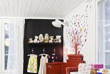 Favourite Brands ★ Djeco / Djeco ontwerpt fantasievolle en kleurrijke kinderkamer accessoires zoals prachtige hanglampen, vrolijke muurstickers en sprookjesachtige muurkastjes. Op dit bord vind je een verzameling van Djeco producten en sfeerfoto's van baby- en kinderkamers met Djeco kinderkamer accessoires.