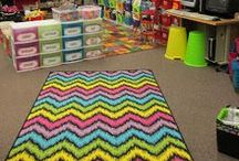 Classroom Decor / Cute ways to decorate your classroom.  Free and paid ideas. Paid items will have a $ to make it easy to see the difference.