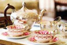 Tea Time - Porzellan, Silber und Kaffeeservice