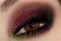 Makeup & Nails / by Olga Morález