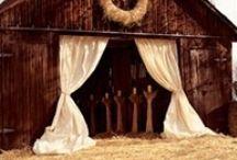 Backyard & Barn Weddings