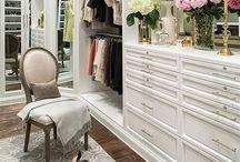 Closets / by Salon Simis