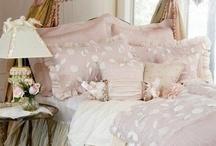Bedroom Dreams / by Isabella Novotny