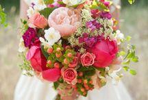 Floral Ideas / by Melissa Yep