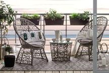 Balkon dekorieren / Der Sommer steht vor der Tür! Zeit seinen Balkon schonmal ein bisschen auf Vordermann zu bringen. Mit einer schönen Sitzgruppe oder einer Hängematte und den passenden Accessoires sind die warmen Sommerabende auf dem Balkon vorprogammiert.
