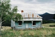 Houses, Homes, Huts, Cabins and Caravans / Photos, paintings and drawings of houses, huts, caravans and cabins
