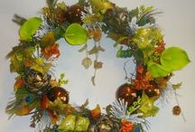 Wall Art for the Home / Beautiful and decorative wreaths add a touch of art to your walls.