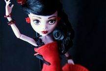 Black and Red / This board features jewelry, quilts, gowns, and dolls, all in my favorite color combination... black and red.