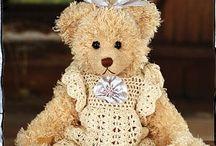Teddy Bears On Parade / by Rosalie Wood