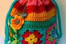 Crochet - Bags / Patterns and inspiration for crocheted bags.