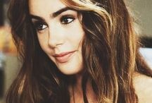 Lily Collins / Lily Collins.