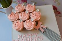 Mothers' Day / Oh, mothers. And the day to celebrate 'em is coming up fast!