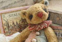 Teddy Bears!!! / by CM Reith