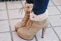 Shoes / by Demi Hoogvliet