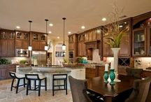 House: Kitchen & Dining Areas to Envy / by C G