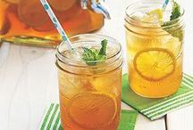 Mason Jar Drinks / Delicious non-alcoholic drinks served in Mason Jars