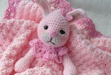Crochet Babies Hats, Layettes, blankets, etc / This is a link to a FREE pattern for this baby hat!
