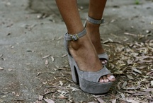 Fashion: Shoe / fashion / by Maria Varni