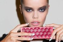 The Book / At New York Fashion Week, the runway starts with MINI JAMBOX.