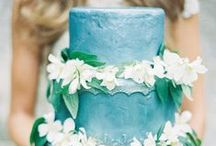 wedding cakes / by Munaluchi Bride