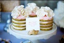 cupcakes / by Munaluchi Bride