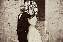 Odd Couples / Can you feel the love in these offbeat and wonderfully romantic oddities? / by Awkward Family Photos