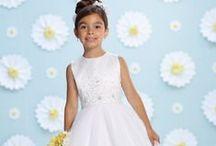 1st Holy Communion / Dozens of white dresses in size 5 to 12X. Veils, headbands, tiaras & purses!