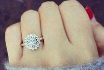 wedding rings<3 / by Kaitlyn Pain