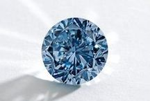 Diamond Envy / We like to think we know our stuff when it comes to diamonds! Take some tid-bits from our knowledgeable and fun bloggers!