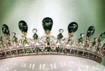 Elegant Emeralds / Diamond Envy presents their stunning emerald collection featuring amazing rings, earrings and necklaces as well as loose emeralds waiting to be set in a beautiful custom design! Be inspired by the color green and emerald designs both new and old!